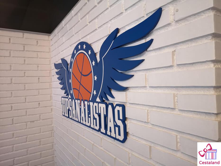 logos coporativos en madera para decorar oficinas tipsanalistas